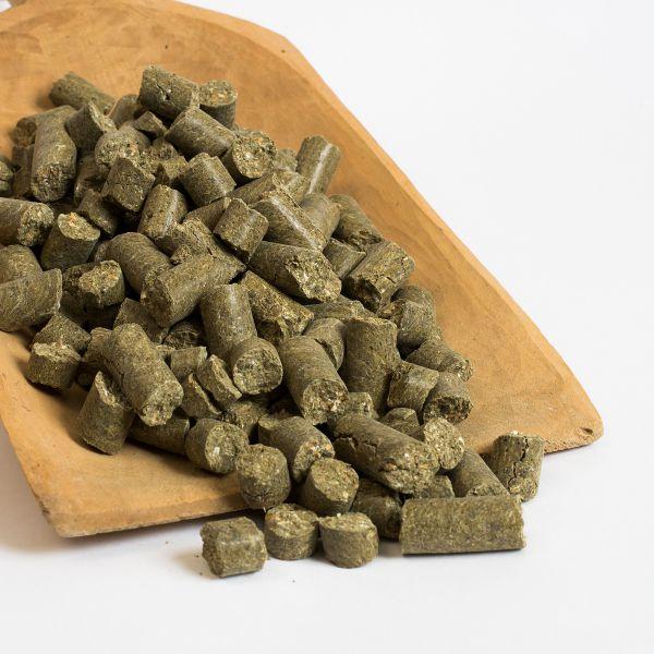 Kräuter-Mineralfutter für Pferde, die optimale Grundfutter-Ergänzung